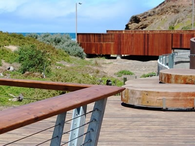 Phillip Island Boardwalk Custom Handrail / Vicbeam